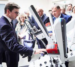 Kraków stawia na robotykę medyczną! – uroczyste otwarcie Centrum Chirurgii Robotycznej Szpitala na Klinach