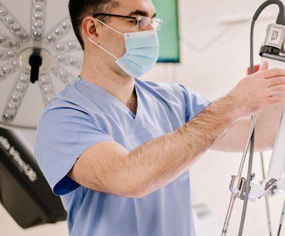 grupa neo hospital partnerem podkarpackiego centrum chirurgii robotycznej