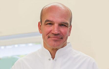 Przepuklina kręgosłupa - dr Aleksander Winiarski