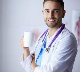 """""""Przy kawie o zdrowiu"""" - zapraszamy wszystkich mieszkańców Krakowa do udziału w programie poświęconemu profilaktyce i edukacji zdrowotnej."""